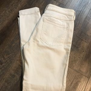 hollister jeans SIZE 3 / white jeans ripped